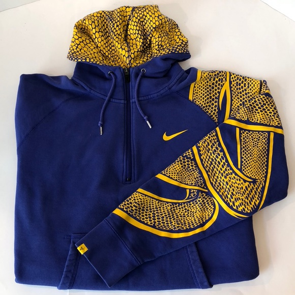 Nike Kobe Bryant Black Mamba 1 4 Zip Hoddie. M 5b6c685bb6a94278d74ff74c 8877549cdf